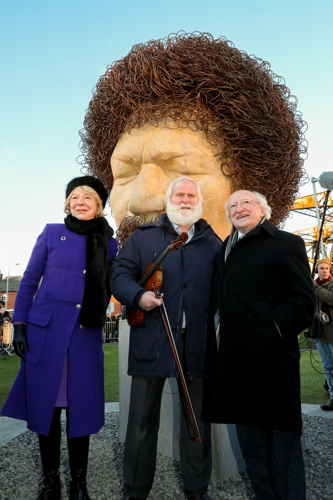 NO FEE UNVEILING OF LUKE KELLY SCULP MX-14